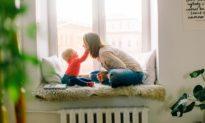 Điện thoại đang cản trở bạn dạy con?