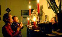 Vì sao người hiện đại cầu nguyện Thần minh không linh nghiệm?