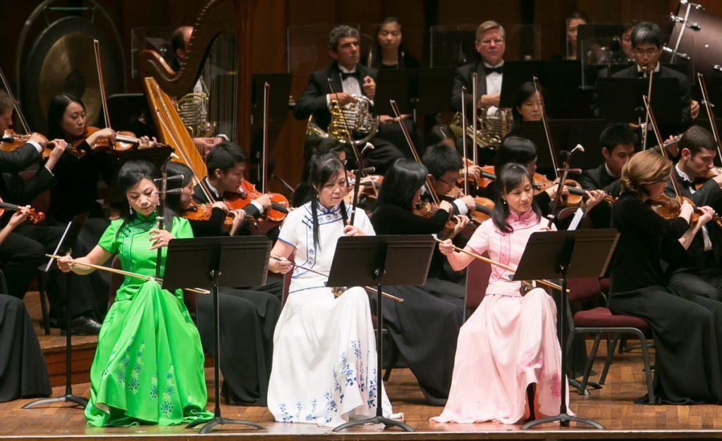 Sự kết hợp hoàn hảo giữa hai phong cách âm nhạc Đông - Tây Phương.