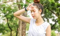 4 huyệt vị nhất định phải biết cho người hay bị trúng nắng, chóng mặt, mệt mỏi