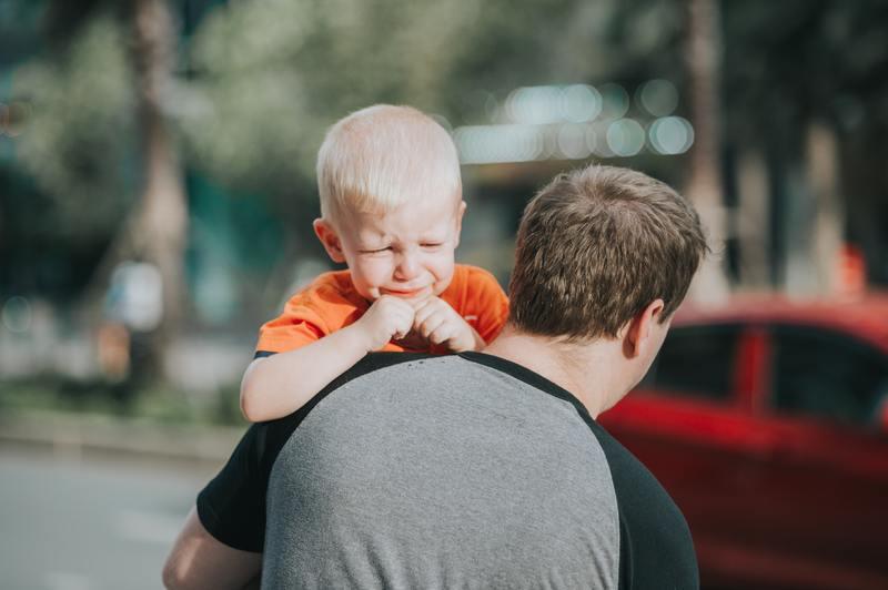 """Khi cha mẹ luôn thuận theo đáp ứng đầy đủ mọi yêu cầu của trẻ, chúng sẽ cho đó là việc đương nhiên, và ngày càng """"làm mưa làm làm gió"""". Dần dần chúng sẽ tự cho mình là trung tâm"""