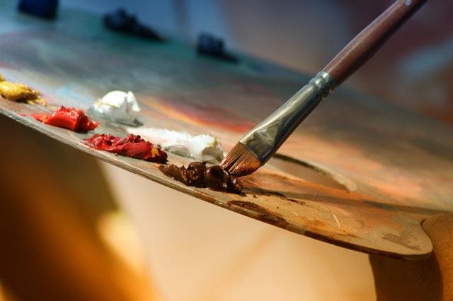 Nếu đã nhận lời rồi thì dẫu khổ cực, mệt nhọc, khó khăn thế nào cũng phải vẽ đúng thời hạn.