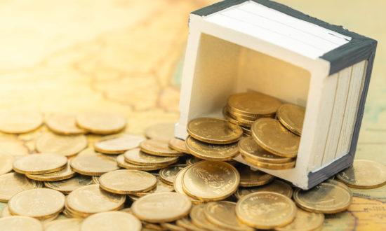 """Tản văn kỳ lạ: Hơn 200 chữ viết rõ bản chất của """"tiền"""""""