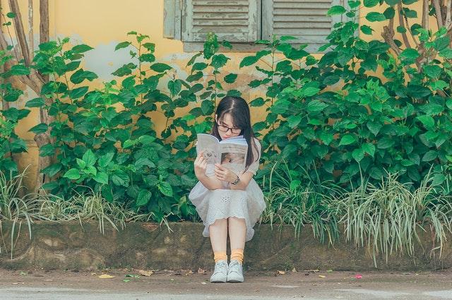 Đọc sách thực sự có thể thay đổi vận mệnh của bạn, nó cũng có thể nâng cao kiến thức, mở mang tầm nhìn và giúp bạn tìm ra lối thoát trên con đường nhân sinh.