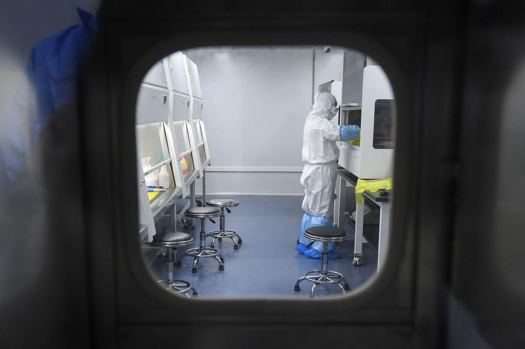 Bộ Ngoại giao Mỹ tiết lộ: Trung Quốc đã nghiên cứu vũ khí hóa virus corona