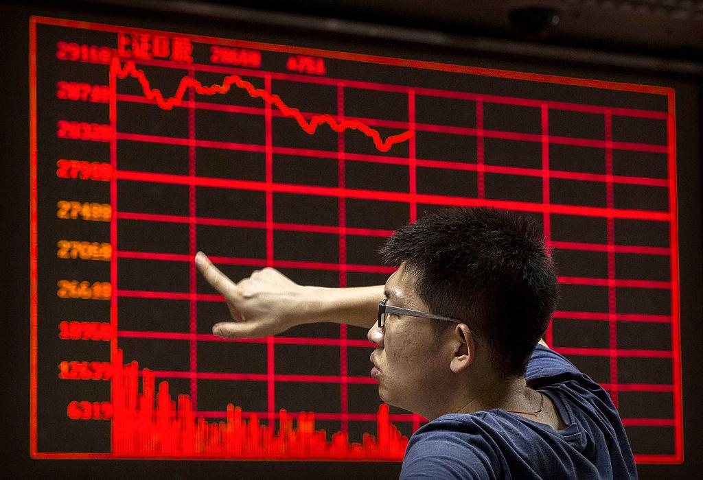 """Lo lắng về virus đã """"thổi bay"""" 420 tỷ USD khỏi thị trường chứng khoán Trung Quốc"""