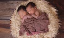 Câu chuyện bi hài trên báo Trung Quốc: Cặp song sinh 20 ngày tuổi hỏi bố: Mẹ đi đâu rồi?