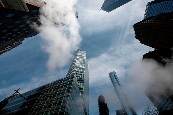 Financial Times: Doanh thu của các ngân hàng đầu tư lớn nhất giảm xuống mức thấp nhất kể từ năm 2008