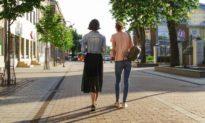 Phương pháp tập luyện độc đáo: Đứng 2 phút hiệu quả tương đương với việc bạn thể dục đi bộ 1 giờ