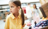 Tại sao trẻ em ăn trộm và cha mẹ nên làm gì?