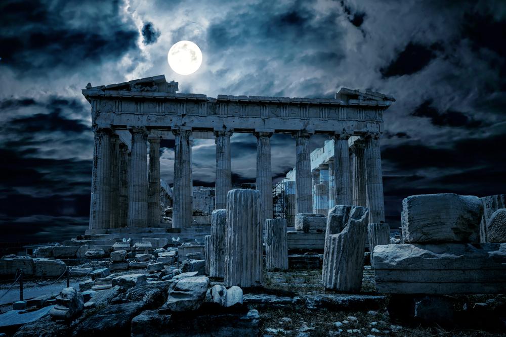 Thành phố bị bỏ rơi và hoang tàn, có hàng triệu thi thể, tử khí bao trùm khắp mọi ngóc ngách của Athens. Người Hy Lạp cổ đại tin vào các vị Thần, một số ít người hiểu được rằng: bệnh dịch là Thần linh đang trừng phạt người dân Athens. (Ảnh: Shutterstock)
