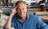Michael Rowe: Tìm thấy ý nghĩa cuộc sống từ... nước thải và bùn lầy