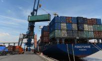 Liệu Mỹ và EU có ngừng nhập hàng dệt may Việt Nam do dịch bệnh?