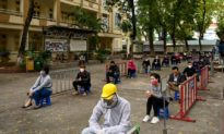 Việt Nam tăng lên hơn 4.600 ca nghi nhiễm dịch và gần 80.000 người cách ly
