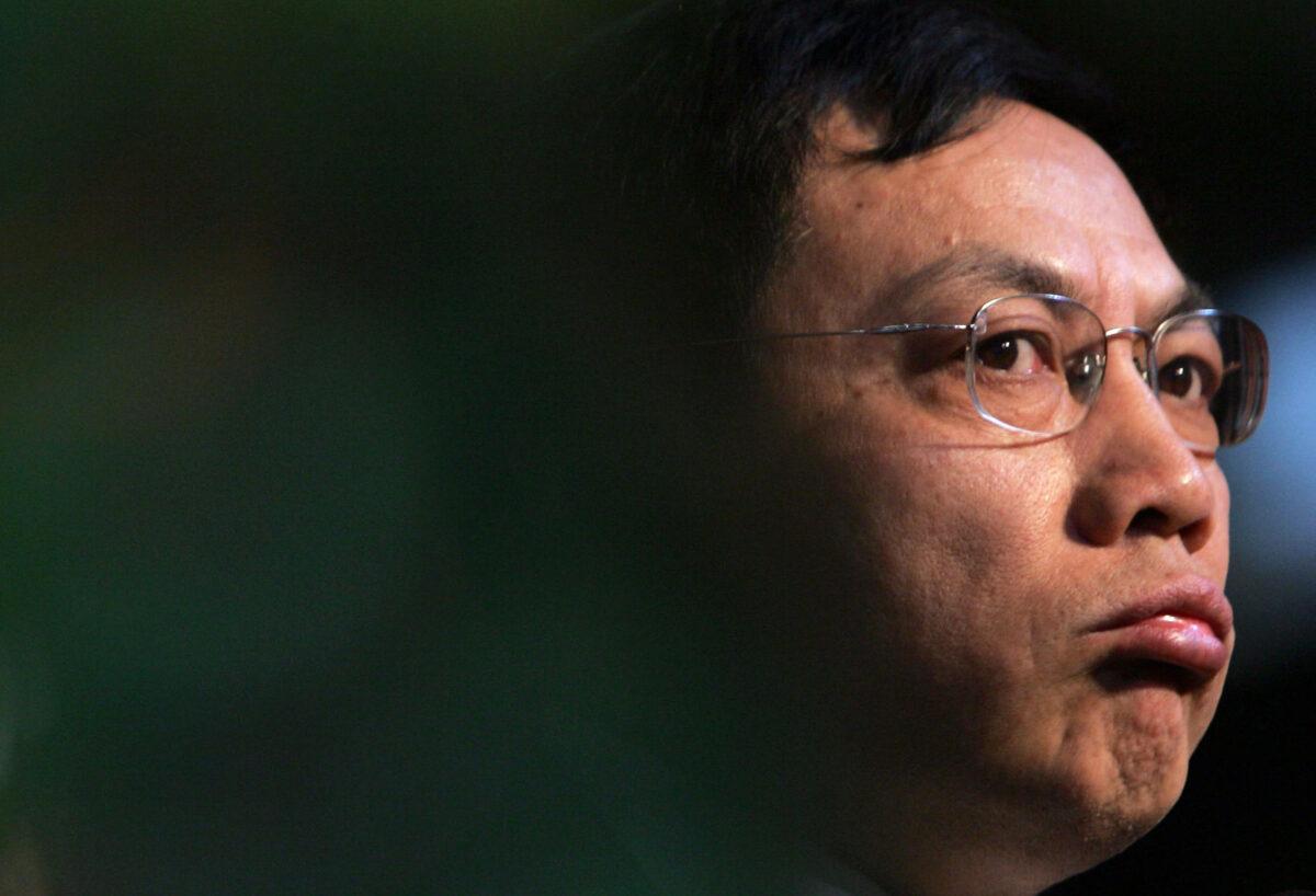 Nhậm Chí Cường (Ren Zhiqiang), chủ tịch của Hua Yuan Group, có bài phát biểu trong Diễn đàn kinh tế cao cấp năm 2006 tại Câu lạc bộ quốc tế Luxehills ở Thành Đô, Trung Quốc vào ngày 7 tháng 1 năm 2006... (Ảnh Trung Quốc / Ảnh Getty)