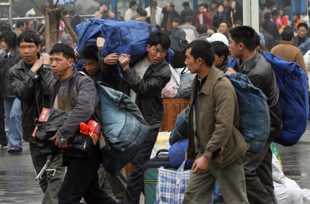 Financial Times: Mặt tối của nền kinh tế 'hổ giấy' Trung Quốc - 600 triệu người hiện đang không đủ sống!