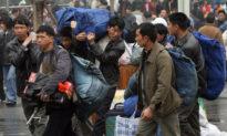 Người lao động di cư nông thôn Trung Quốc chỉ được trả lương bằng một phần ba so với người dân thành thị