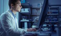 Ánh sáng xanh không phải là nguyên nhân chính gây ra chứng mỏi mắt và mất ngủ
