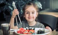 Người Pháp giáo dục nhân cách cho trẻ bắt đầu từ bàn ăn
