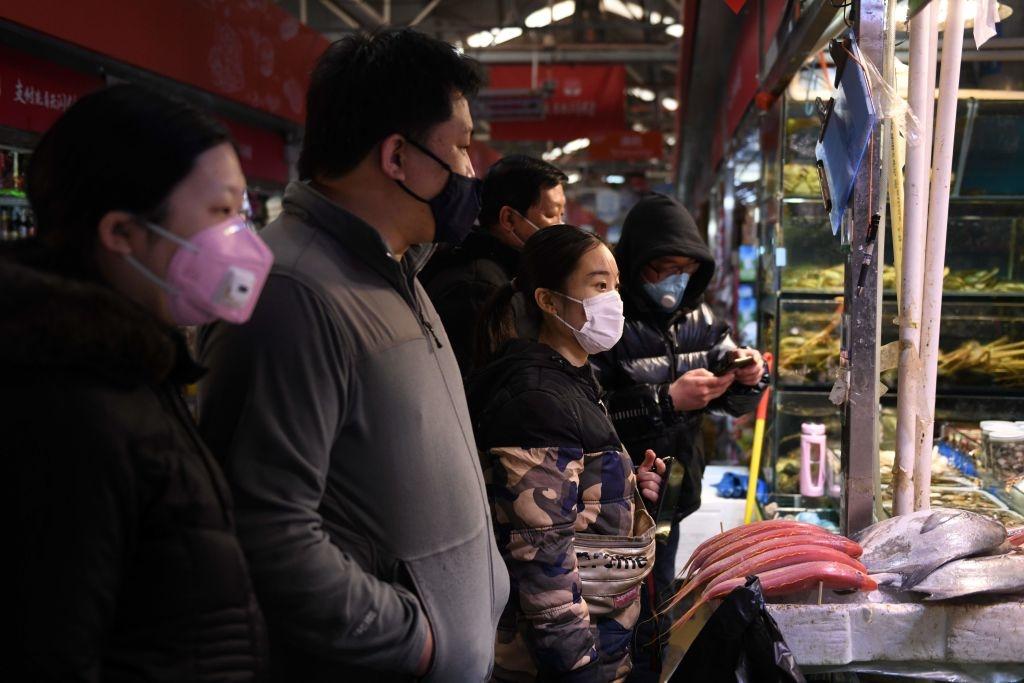 Khủng hoảng mua sắm nổ ra khắp Trung Quốc, làm dấy lên lo ngại thiếu lương thực