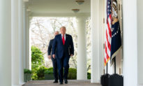 Tổng thống Trump cảm ơn công ty Mỹ và bạn bè ở Việt Nam đã gửi 450.000 đồ bảo hộ