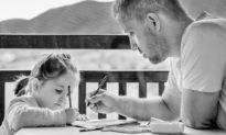 Vai trò của cha có thua kém vai trò của mẹ trong việc nuôi dạy con cái?