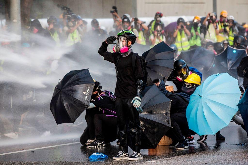 Năm 2019, người dân Hồng Kông đã phát động các cuộc biểu tình quy mô lớn để chống lại sự kiểm soát của ĐCSTQ.