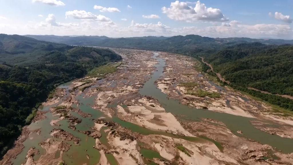 Trung Quốc kiểm soát nguồn nước tại thượng lưu làm gây ra thiếu nước trầm trọng, khiến các con sông cạn trơ đáy, ảnh hưởng nghiêm trọng đến hệ sinh thái dọc theo vùng hạ lưu sông. (Ảnh: Getty)