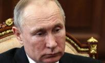 Tổng thống Putin gần đây bắt tay bác sĩ hàng đầu ở Moscow dương tính với virus Vũ Hán