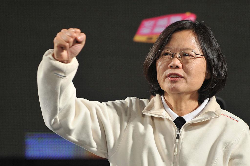 """""""Một xã hội có tự do ngôn luận mới có kháng thể tự nhiên, mới có sức miễn dịch tập thể trước những thông tin giả dối"""" - Bà Thái Anh Văn."""