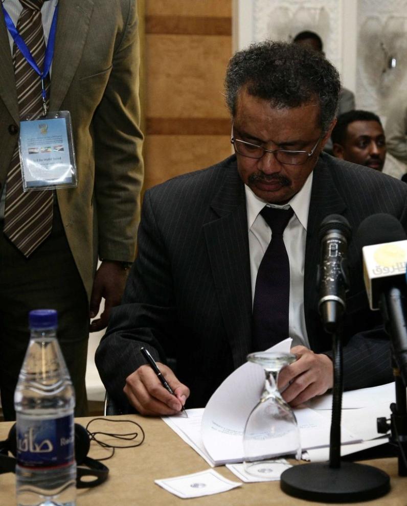Trong thời gian tại vị Chủ tịch Hội đồng quản trị Quỹ Toàn cầu, ông Tedros bị nghi ngờ đã trục lợi một khoản tiền khổng lồ nằm trong chương trình hỗ trợ bệnh lao và sốt rét. (Ảnh: Getty)