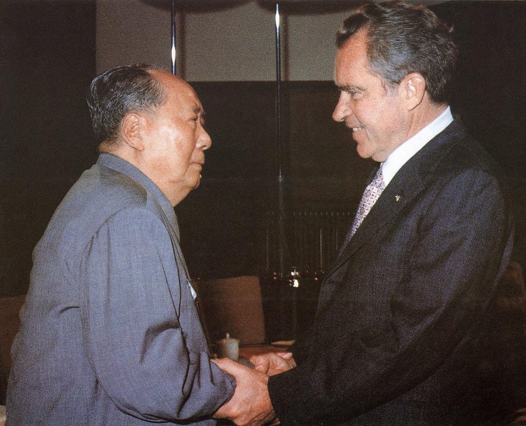 Năm 1979, Hoa Kỳ và Trung Quốc chính thức lập quan hệ ngoại giao. Dưới sự giúp đỡ của Hoa Kỳ, vị thế quốc tế của Trung Quốc được cải thiện.