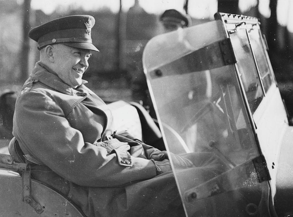 """""""Một thiện niệm của Eisenhower né tránh được vụ ám sát, nếu không lịch sử của chiến tranh thế giới thứ hai phải viết lại rồi"""". (Ảnh: Getty)"""