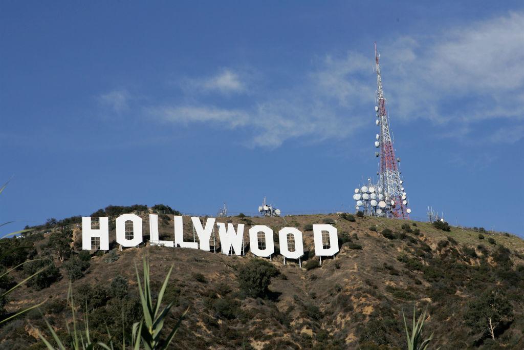Không chỉ truyền thông, ĐCSTQ còn mua chuộc ngành giải trí, mua các nhà hát lớn, đầu tư vào phần lớn các bộ phim điện ảnh ăn khách của Hollywood