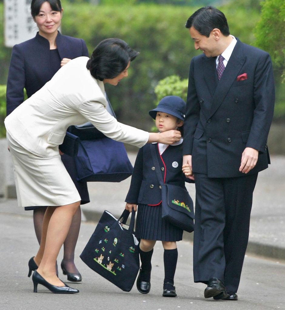 Cha mẹ Nhật Bản không cảm thấy rằng con cái họ cần sự giúp đỡ, mà dạy chúng 'tự mình làm việc của mình'.