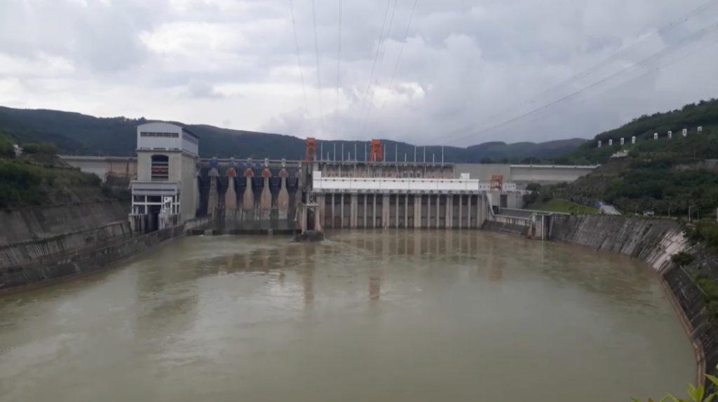 Chính quyền Trung Quốc đổ lỗi cho lượng mưa sụt giảm gây ra hạn hán ở thượng lưu để che giấu tình trạng tích trữ lượng nước trên mức trung bình ở các con đập.