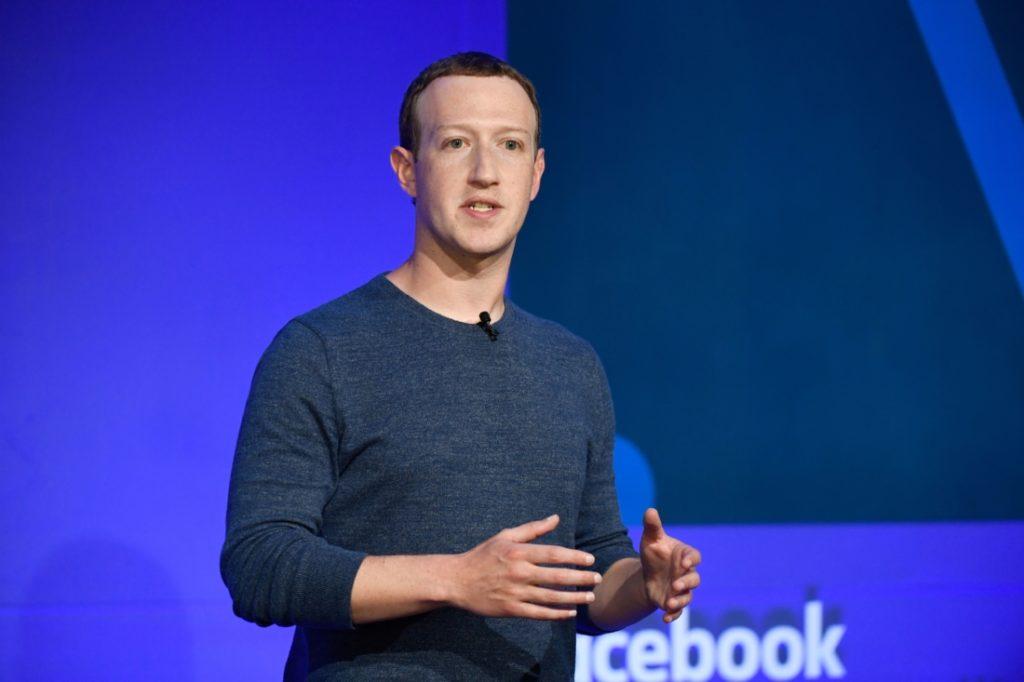 Facebook CEO nhắn nhủ Twitter: Đừng nên làm 'trọng tài sự thật'