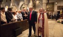 Tổng thống Trump lệnh mở cửa tất cả các điểm cầu nguyện