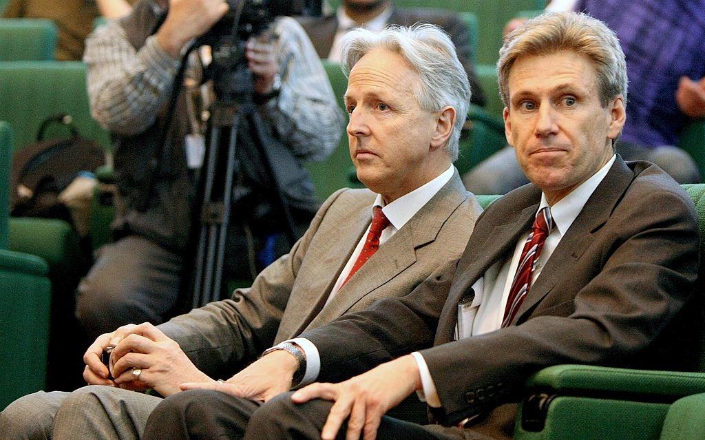 Đại sứ Mỹ Chris Stevens (phải) đã nhiều lần bày tỏ lo ngại và cảnh báo về sự nguy hiểm, cùng mối đe dọa ngày càng gia tăng của các nhóm khủng bố xung quanh khu vực Đại sứ quán. (Ảnh: Getty)