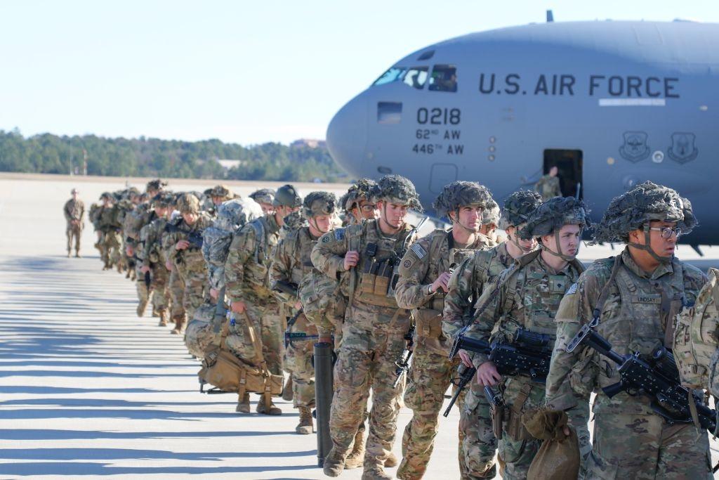 Bất chấp mở rộng sự hiện diện trên toàn cầu, quân đội Mỹ dưới sự lãnh đạo của Tổng tư lệnh Obama vẫn phải chịu những thất bại chiến lược lớn tại Iraq, Afghanistan và Libya.