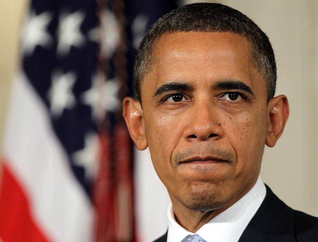 Nhiều nghi vấn xung quanh lai lịch thật sự của ông Obama. Các điều tra viên cho biết giấy tờ khai sinh công bố trên website của Nhà Trắng là mạo hóa.