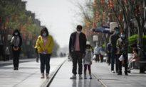 Cảnh sát Trung Quốc đe dọa con trai của nạn nhân virus Vũ Hán