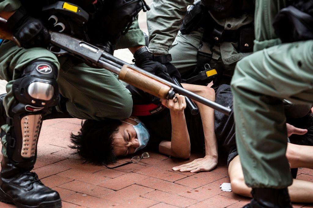 Điều ĐCSTQ quan tâm chỉ là sự ổn định tuyệt đối nhằm đảm bảo quyền lực thống trị của nó tại Trung Quốc. Cách hành xử bạo quyền, trấn áp mọi hành động phản kháng của người dân và thế giới càng khiến ĐCSTQ rơi vào tình trạng hỗn mang, tứ bề thọ địch. (Getty)