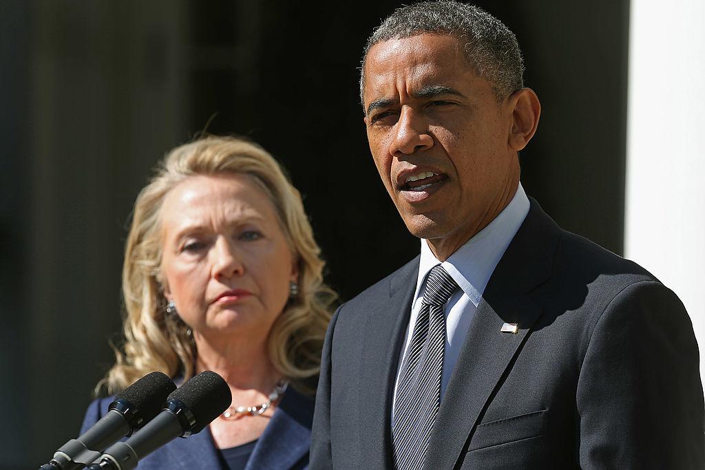 Mặc dù biết cuộc tấn công tại Benghazi là do những kẻ khủng bố gây ra, nhưng cả ông Obama và bà Hillary Clinton đã không làm gì để giải cứu bất chấp thời gian vẫn đủ để quân đội có thể đến cứu viện. (Ảnh: Getty)