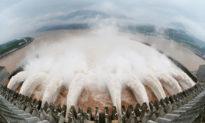 Trung Quốc: Người dân địa phương chen nhau lên vùng đất cao khi áp lực lên đập Tam Hiệp đang gia tăng