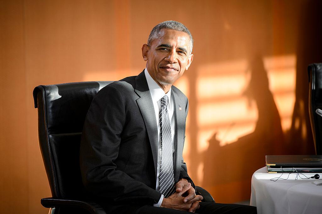 """Barack Obama là người đầu tiên dường như có đủ khí chất và trực giác nhạy bén, để truyền cảm hứng tới công chúng một cách mượt mà tự nhiên, mà không phải viện đến tiểu xảo """"chính trị"""" chủng tộc"""