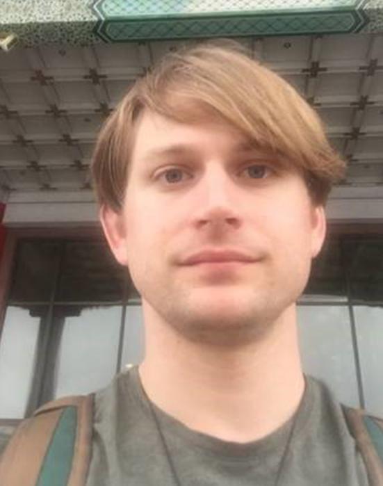 Anh Jason Eaton (người Mỹ), đang sống tại New York.