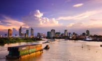 Financial Times: Việt Nam và Singapore là hai điểm đến nổi bật ngoài Trung Quốc của các nhà đầu tư