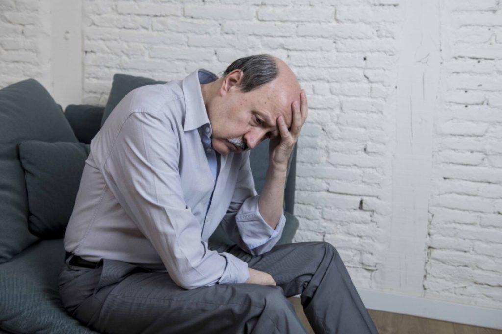 Người cao tuổi bị COVID-19 có những triệu chứng bất thường