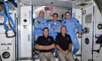 Các phi hành gia của NASA cập bến Trạm vũ trụ quốc tế thành công